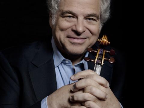 Itzhak Perlman with violin