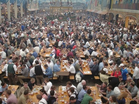 Oktoberfest Bierzelt